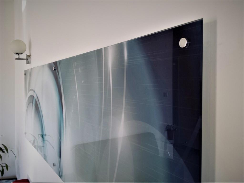 הדפסה על זכוכית תקריב ספייסרים