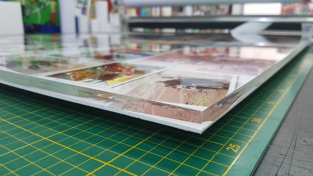 הדפסה על פרספקס עבה תקריב