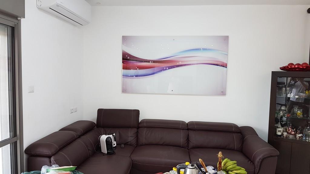 הדפסה על זכוכית מופשטת לסלון