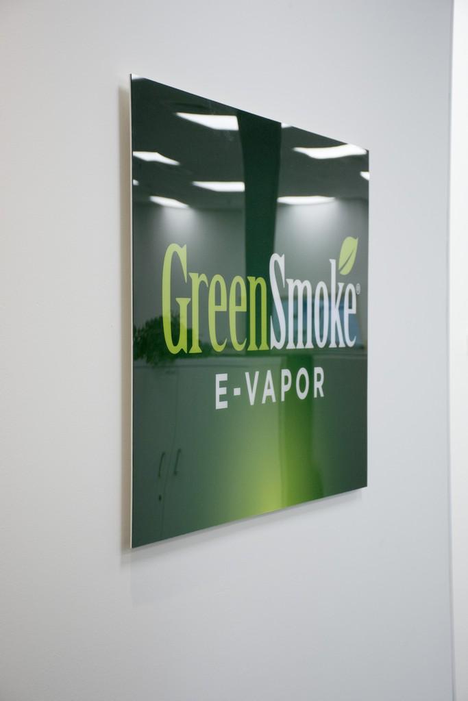 הדפסה על פרספקס GREENSMOKE