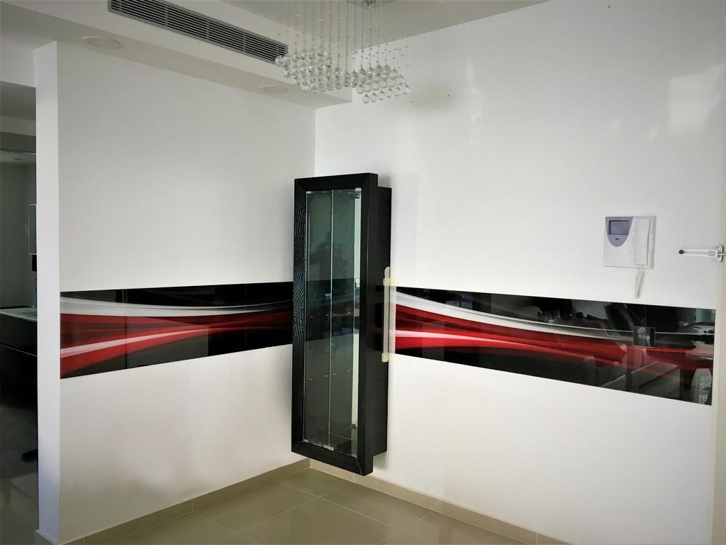הדפסה על זכוכית מופשט