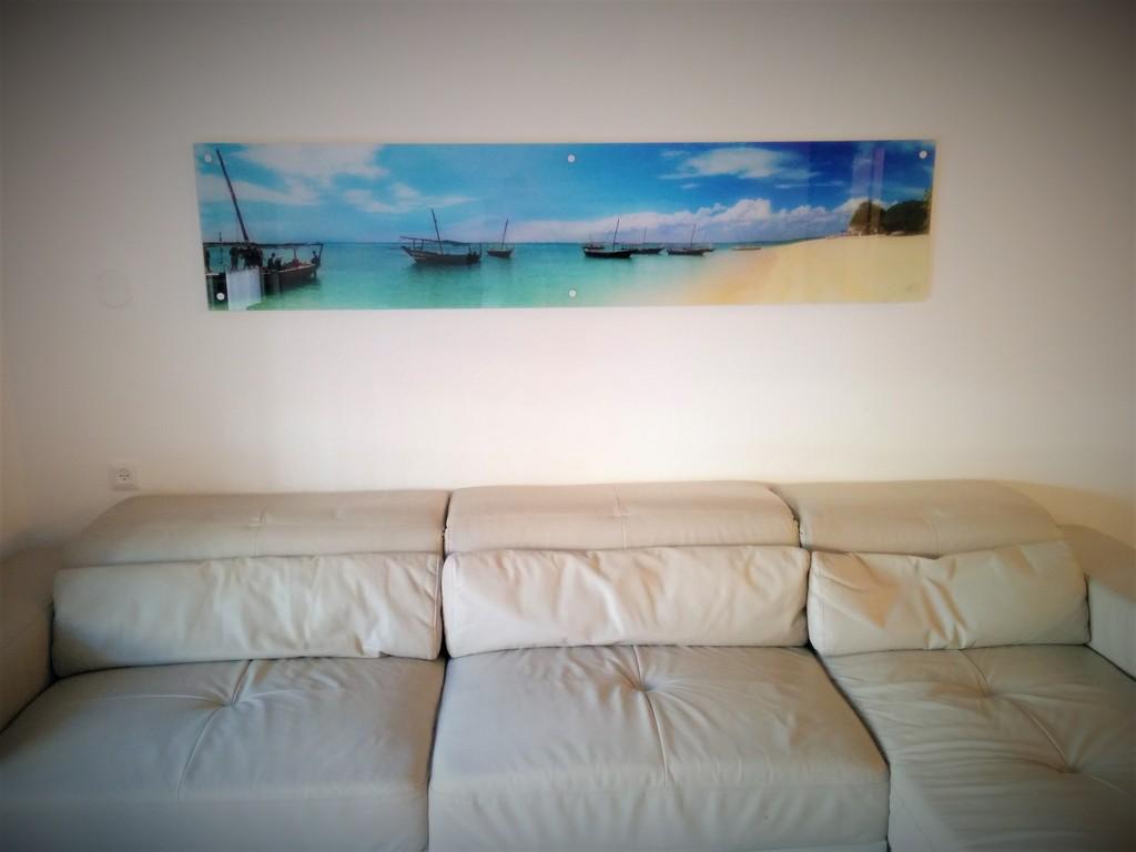 הדפסה על זכוכית לסלון נוף ים