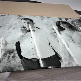 הדפסה על זכוכית שחור לבן