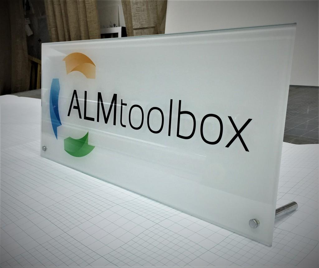 הדפסה על זכוכית ALMTOOLBOX