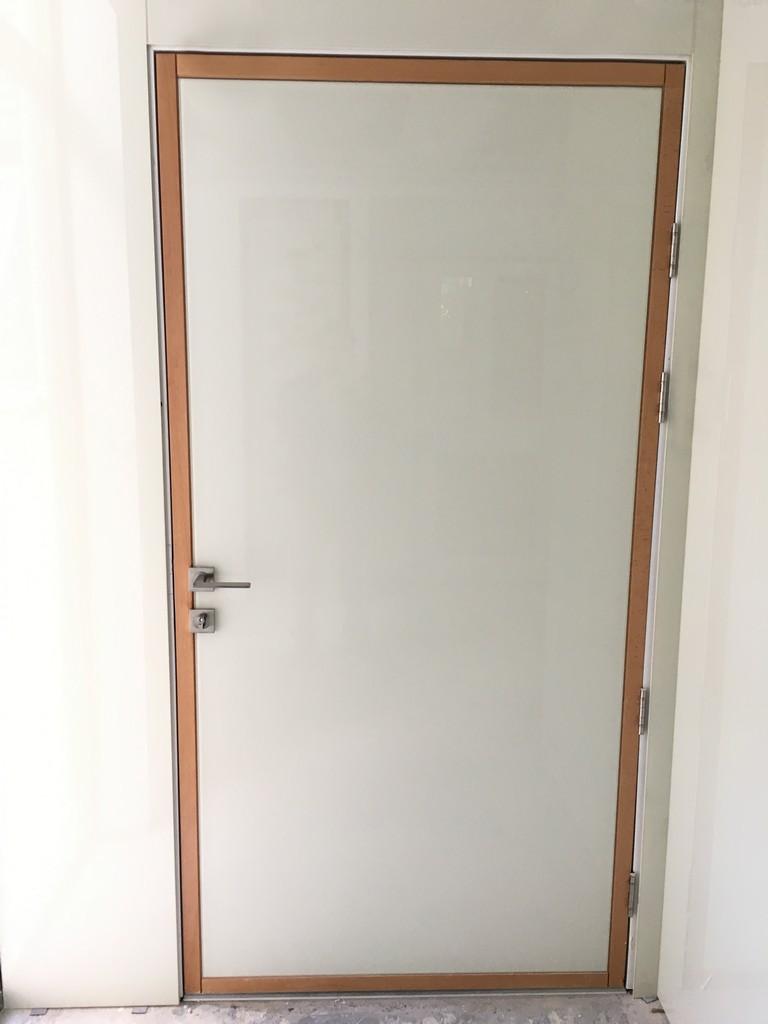חיפוי זכוכית דלת