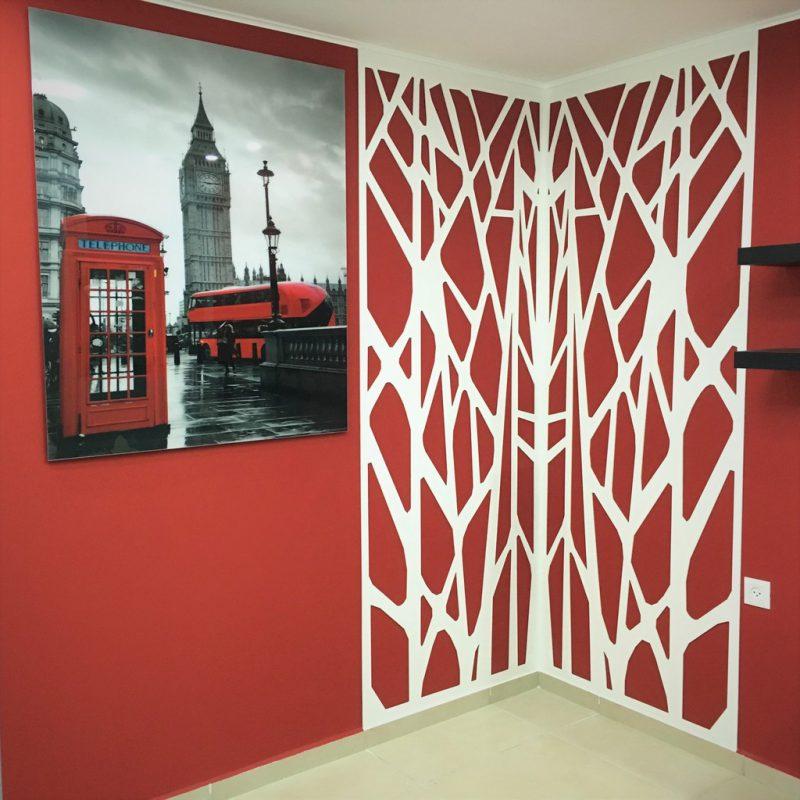 חיתוך צורני PVC לקיר