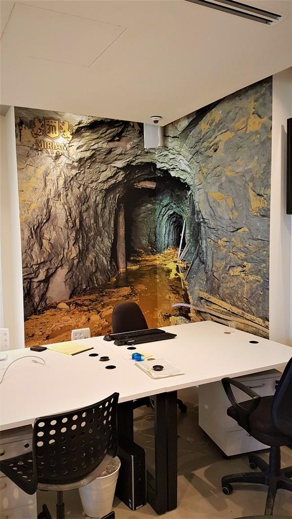 מדבקת קיר מכרה זהב