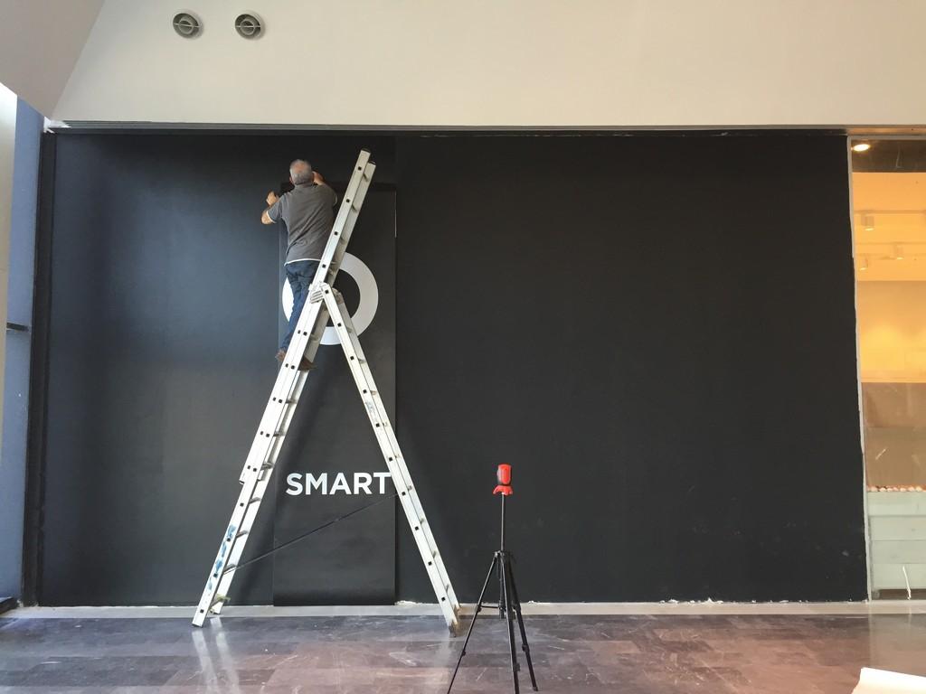 מדבקת קיר שחורה