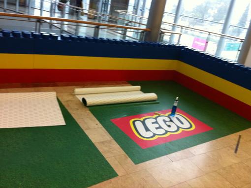 מדבקת רצפה מודפסת LEGO