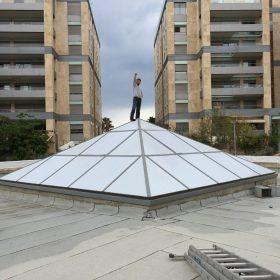 מדבקת רשת לגג