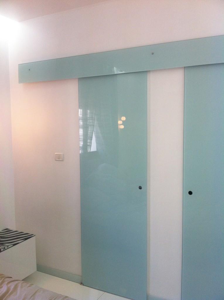 דלתות הזזה מזכוכית