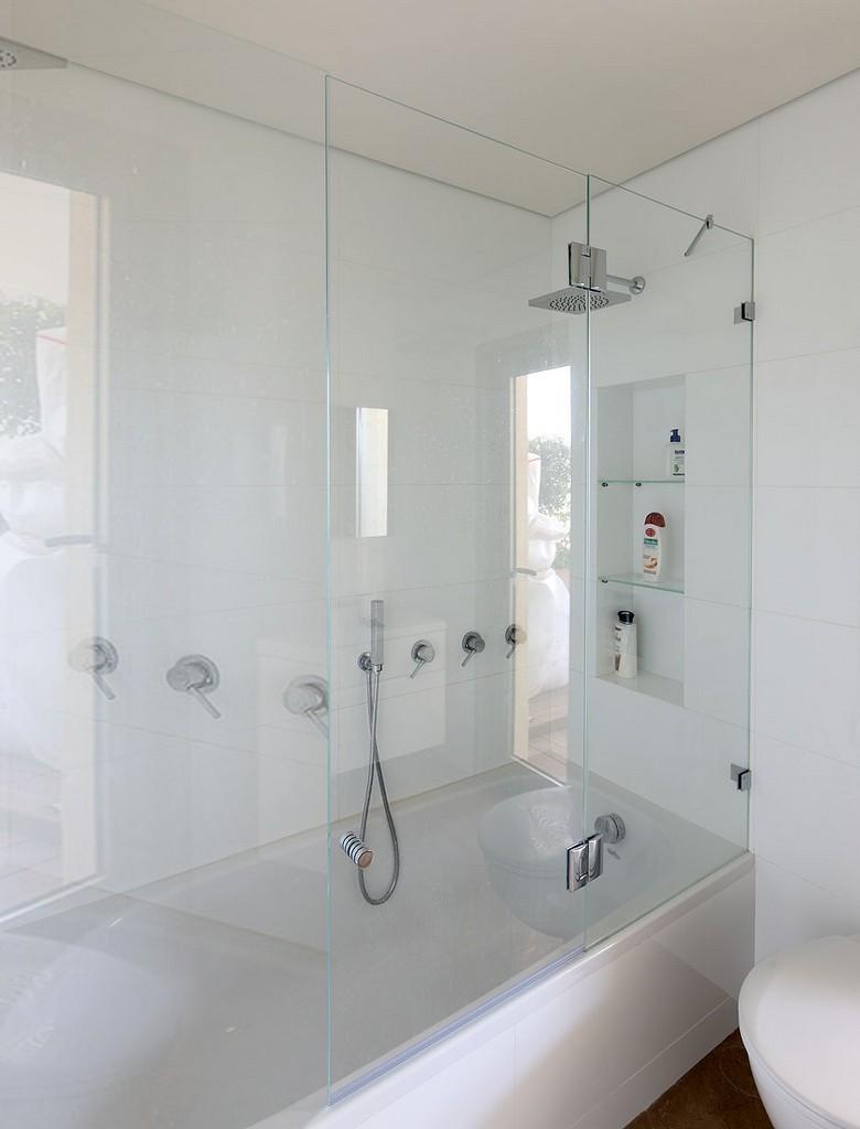 אמבטיון זכוכית