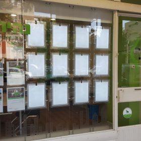 שלטים מוארים לחלון ראווה נהיר נכסים