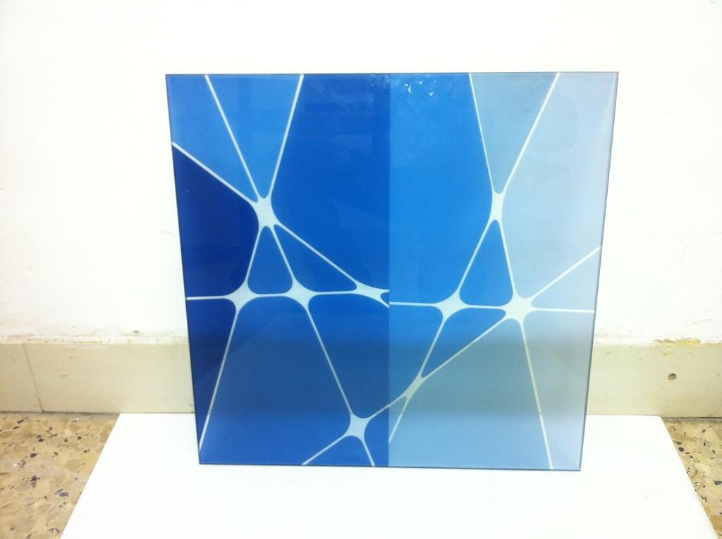 הדפסה על זכוכית שקופה
