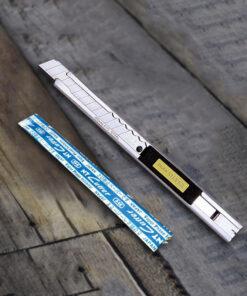 סכין יפנית קטנה