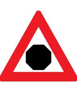 תמרור עצור בהמשך הדרך