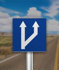 תמרור מספר הנתיבים בכביש גדל מימין