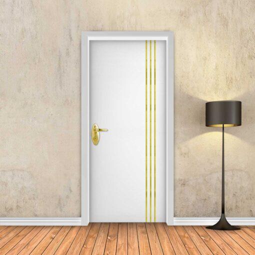 טפט לדלת לבן חלק 3 פסי זהב