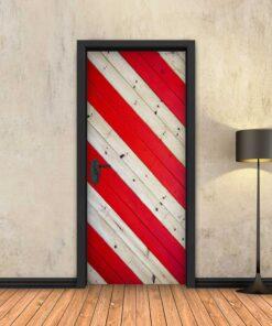 טפט לדלת פסי עץ אדום בזווית