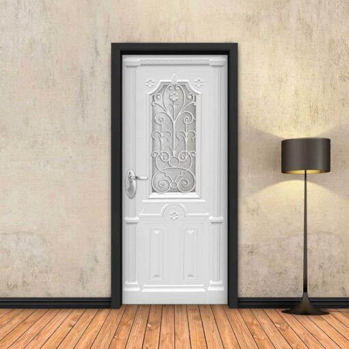 טפט לדלת לבן מעוטר עם חלון