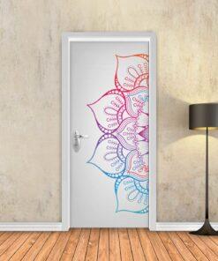 טפט לדלת מנדלה צבעונית